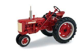 Ertl Farmall 230 Tractor, 116 Scale Toys & Games
