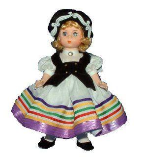Madame Alexander Estonia   International Doll 545 Toys & Games