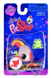 "Hasbro Year 2008 Littlest Pet Shop Single Pack ""Funniest"" Series Bobble Head Pet Figure Set #884   ANGEL FISH with Green Mini Frog (#92621) Toys & Games"