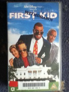 First Kid [VHS]: Sinbad, Brock Pierce, Blake Boyd, Timothy Busfield, Art LaFleur, Robert Guillaume, Lisa Eichhorn, James Naughton, Fawn Reed, Erin Williby, Zachery Ty Bryan, Michael Krawic, Bill Cobbs, Jemar Jefferson, Daniel Baron, Joe Inscoe, J. Michael