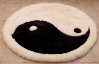 SoftRugs Yin Yang Design 5 foot diameter Alpaca Rug   Handmade Rugs