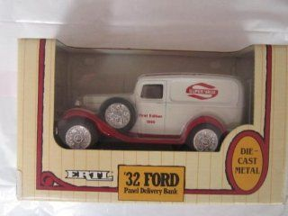 """""""32 Ford Panel Delivery Truck Bank Toys & Games"""