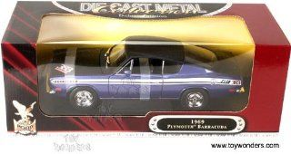 Yatming   1969 Plymouth Barracuda 383 Road Signature Collection (118 scale, Purple) Toys & Games
