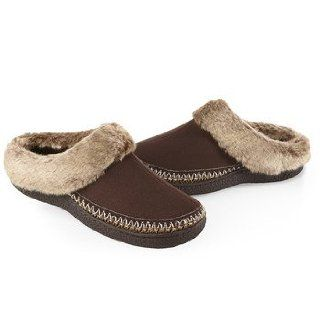 ISOTONER Women's Woodlands Microsuede Fur Crepe Clog Slippers, Chocolate 6.5/7: Shoes