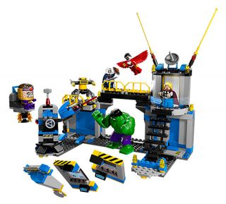 LEGO� Marvel Super Heroes Hulk Lab Smash
