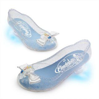 Disney Princess Light Up Cinderella Shoes for Girls size 7/8 Toys & Games