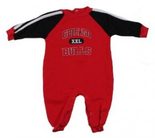 Chicago Bulls Infants NBA Pajamas Coveralls Onesie Outfit, Red: Clothing