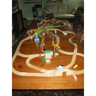 Thomas and Friends 160 Piece Ultimate Train Set Toys & Games