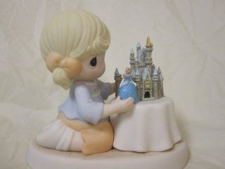 Precious Moments .A World Of My Own Disney Resort Exclusive   Collectible Figurines