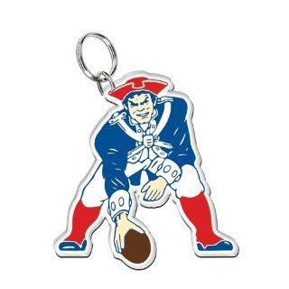 New England Patriots   Vintage Logo Acr Keychain : Sports Related Key Chains : Sports & Outdoors