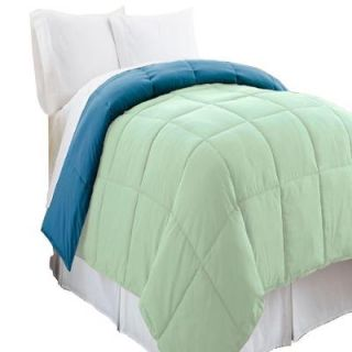 Pacific Coast Textiles Reversible Misty Jade/Seaport Down Alternative Queen Comforter 2DWNCMFG MST QN